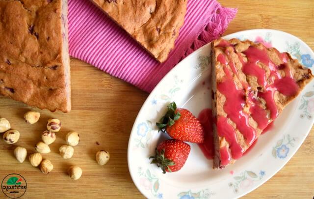 bizcocho-avena-fresas-3 Bizcocho de fresa fitness
