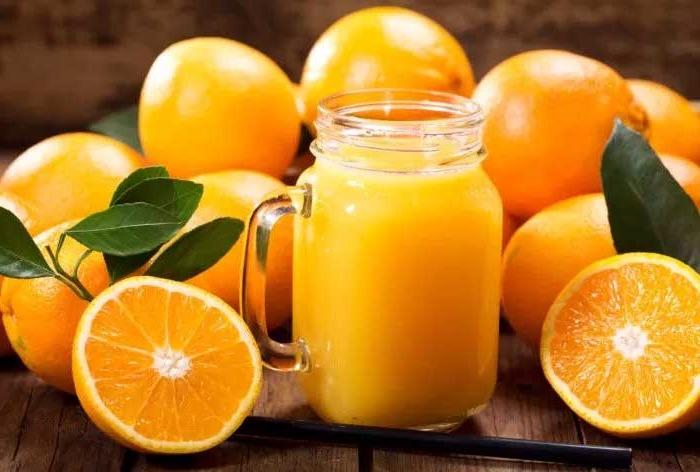zumo-de-naranja-natural ¿Es bueno el zumo de naranja para el desayuno?